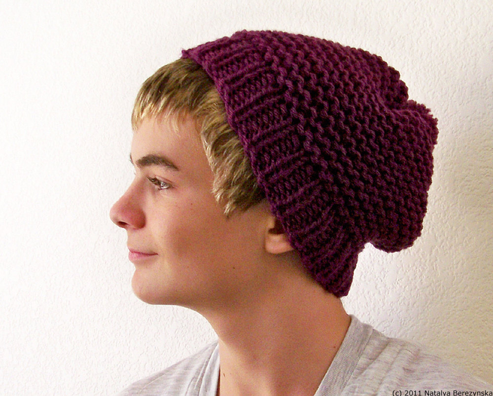 Men's Beanie Hats. Men's beanie hats offer a great way for any man to look good and stay warm. There are many kinds to choose from, so you can find the right one to complement just about any outfit.